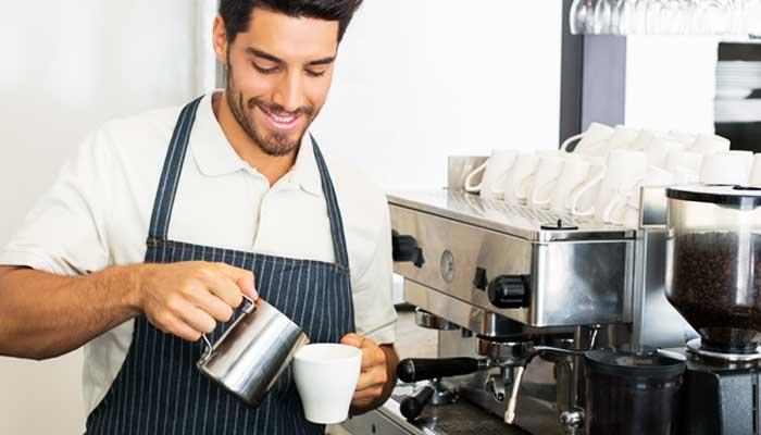 ragazzo_cappuccino_Caffè_Martino